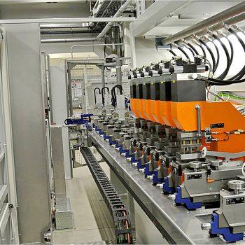 Sondermaschinen Hutschienenbearbeitung